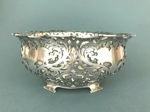 Antique Forbes Silver Quadruple Plate #106 Pierced Curvy Leafy Footed Fruit Bowl