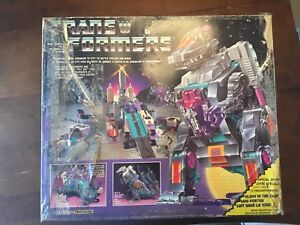 Complete Vintage g1 Tranformers trypticon