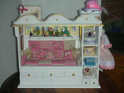 Schrankbett Einzelstück mit viel Zubehör/ Puppenstube/Catrichen1:10+1:12