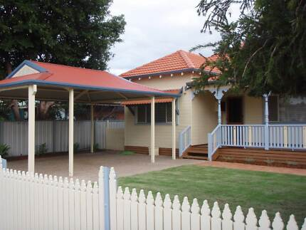 Large Bedroom in Lovely W/B Cottage Withers Bunbury Area Preview