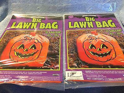 (FUN WORLD) 2 PKGS OF INDOOR & OUTDOOR BIG LAWN BAGS  (HALLOWEEN) 32 - Big Halloween Bags