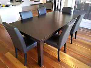 Table and Chairs Skye Frankston Area Preview