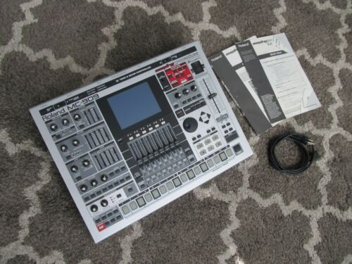 Roland MC-909 Sampling Groovebox Includes 2 Manuals & 64GB SD Card