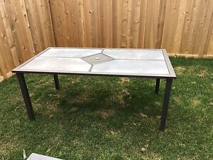 Excellent condition patio table $75