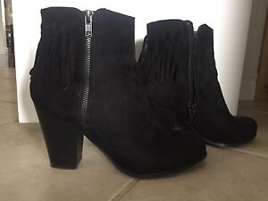 Black boots size 8.5