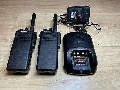 Motorola DP4400 UHF Two-Way Radios/Walkie Talkies w/Charger