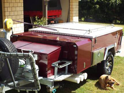 """Quality""  SWAG hard floor 'off road' camper trailer.  LIKE NEW!!"