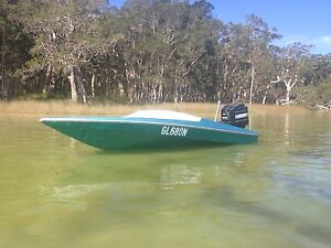 Bullet 1650 ski race boat 200hp mercury with brand new upholstery Forster Great Lakes Area Preview