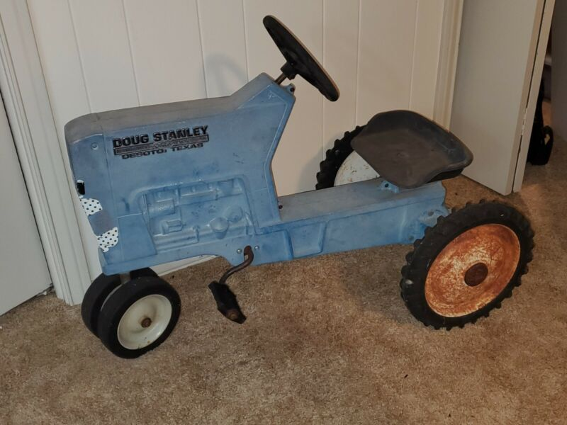 Vintage Blue Ford Pedal F-68 Tractor Car Metal ETRL