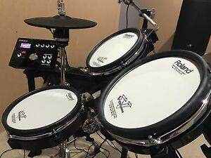 Roland TD25KV Electric Drumkit Glenmore Park Penrith Area Preview