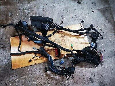 Volvo XC90 2010 2.4 D5 185bhp Engine Fuse Box and Wiring Loom 30797010