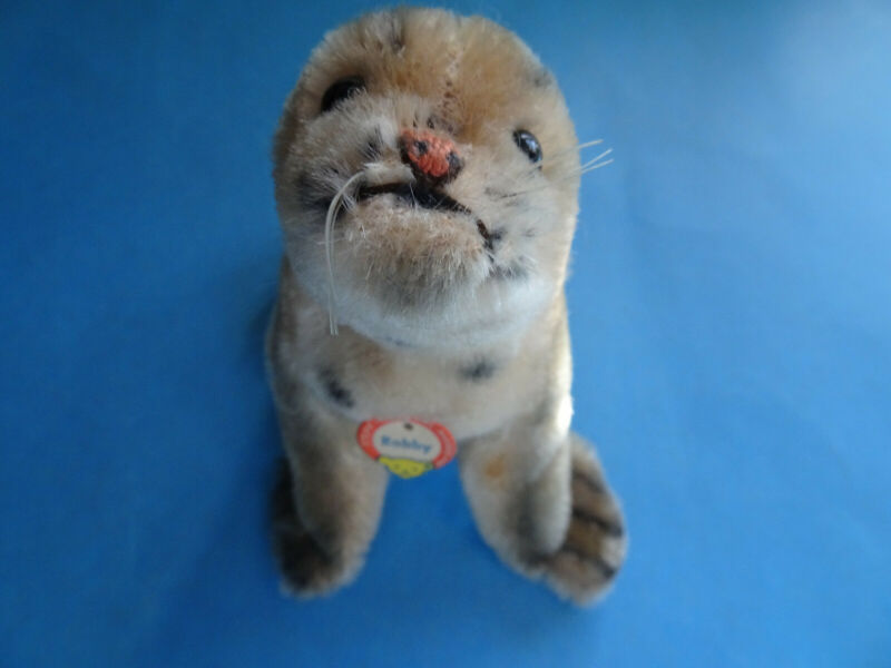 "1950's Steiff Robbie Mohair Seal 4.5"" with chest tag"