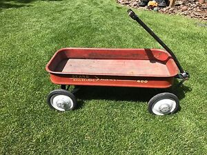 Radio Flyer little red wagon for kids