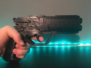 Blade Runner 2049 Officer K's Blaster Gun Full Size 3D Printed Replica Black