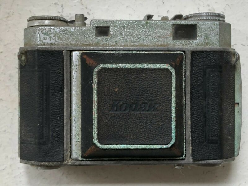 Vintage Kodak Retina iia Camera - All parts seem to work- no guarantee