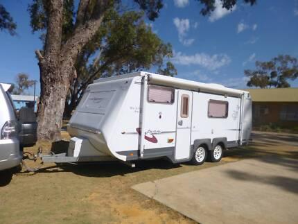 933fc1b60edee6 A VAN Pop Top Caravan 2006