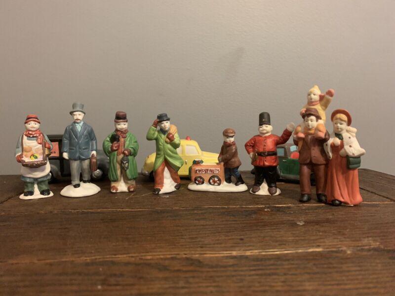 10pcs Christmas Village People/cars