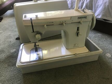 Singer panoramic sewing machine