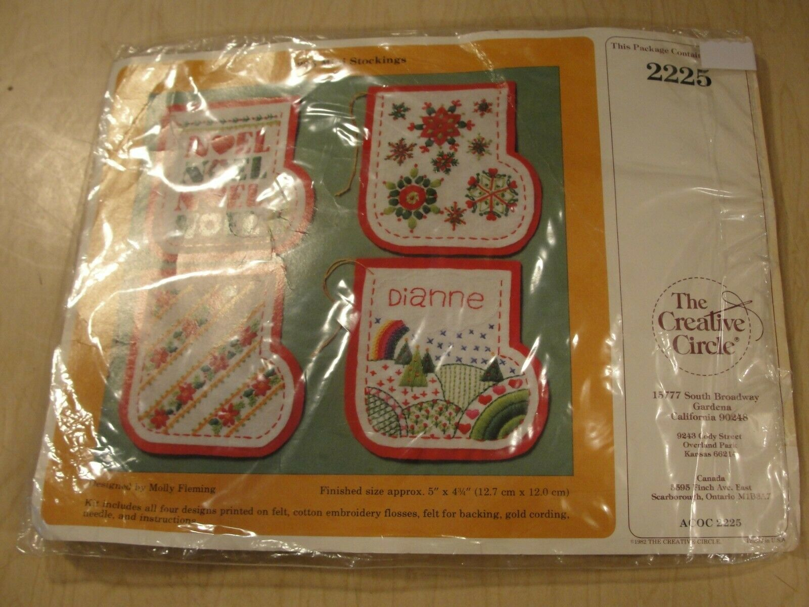 The Creative Circle Christmas Felt Mini Stockings Kit Molly Fleming Vintage 2225 - $4.59