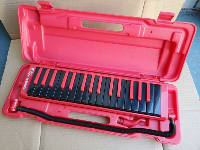 HOHNER keyboard harmonica 32 Key Melodica Fire Red