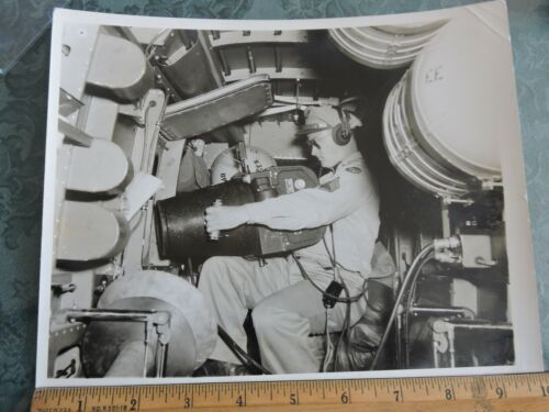 """Orig 1945 WWII? 8x10"""" Photo Official Airplane SPOTLIGHT OPERATOR US Army"""