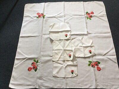 VINTAGE HAND FLOWER EMBROIDERED LINEN/COTTON TABLE Centre Cloth + 4 NAPKINS