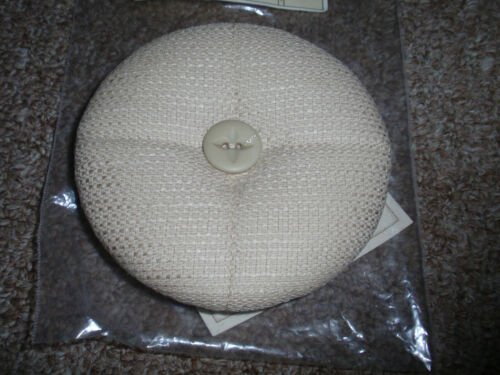 Longaberger Pin Cushion Lid, In Oatmeal, For The 2003 Host Appreciation , NEW!