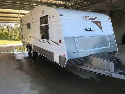 Concept Caravan triple bunk in very good condition