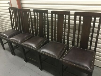 Wooden dining room chairs (5)