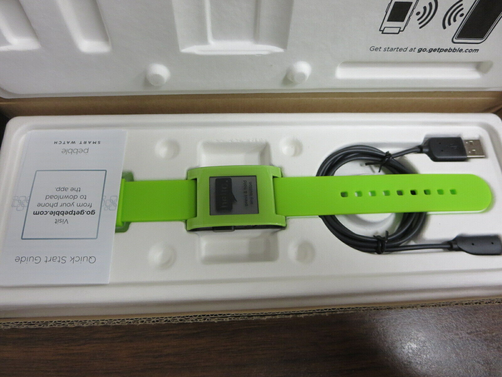 New - Pebble Smartwatch Classic for iPhone Android - Color G