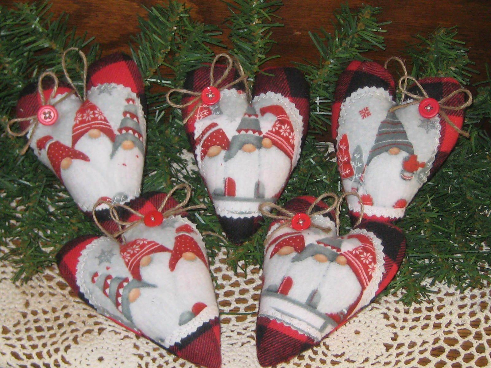 5 Gnome Hearts Buffalo Plaid Fabric Country Christmas Decor Tree Ornaments - $21.95