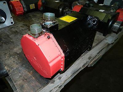 Fanuc Model 10s Ac Servo Motor A06b-0315-b002 1001 Broken Connector Used