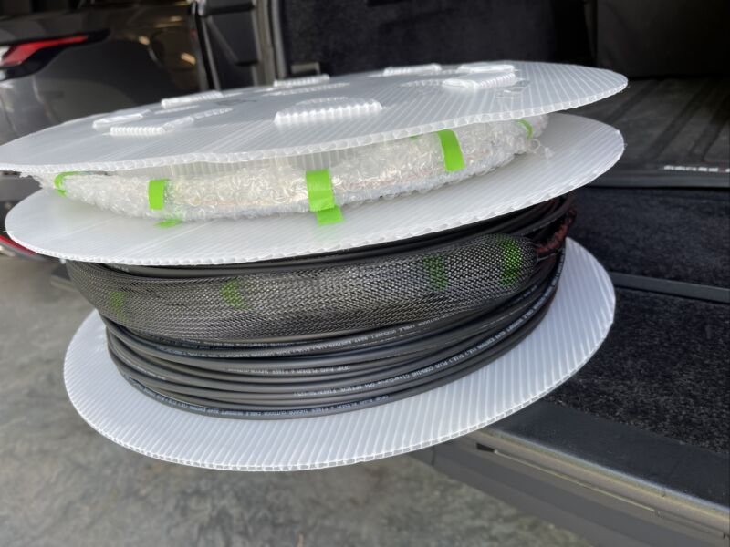Corning ClearCurve Optical Fiber Cable, OM4, 50/125 350ft Pre Terminated Plenum