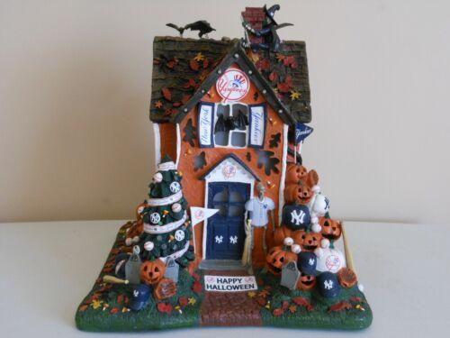 New York Yankees Danbury Mint Halloween Haunted House
