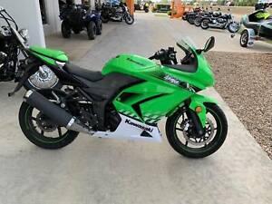 Kawasaki Ninja 250 Mount Louisa Townsville City Preview
