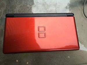Red Nintendo DS lite