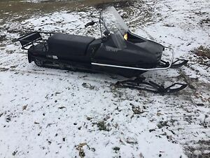 Rare 2006 Yamaha bravo long track ice fishing sled