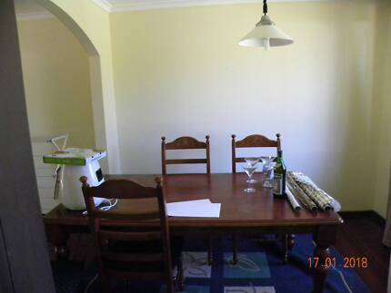 Large 4 br house in 20 Bokhara Cirt. Kaleen