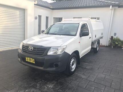 Toyota Hilux Workmate (low kilometres!)
