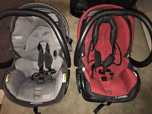 Maxi cosi baby capsule x2 Griffith South Canberra Preview