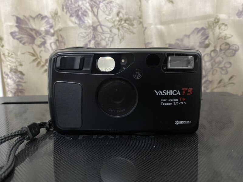 [Exc+5] Yashica T5 3.5 35mm Carl Zeiss film Camera