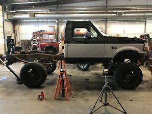 Mud 4 x 4 Truck (UNFINISHED)