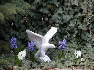 massiccio-Figura-di-pietra-pietra-AQUILA-GIARDINO-raumdeko-in-pietra
