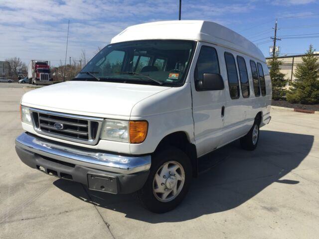 Image 1 of Ford: E-Series Van E-250…