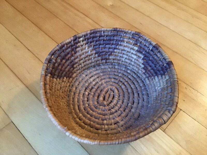 BEAUTY! Antique Vintage Native American Woven Tight Coil Basket Indian Triangles