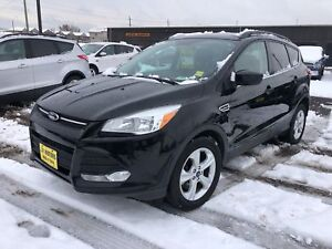 2016 Ford Escape SE, Automatic, Back Up Camera, Heated Seats, 4x