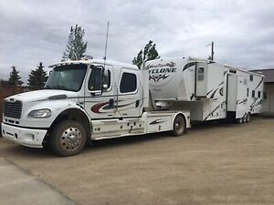 Toy Hauler | Buy or Sell Used and New RVs, Campers & Trailers in