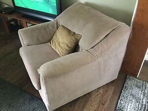 For sale couch and 2 chairs
