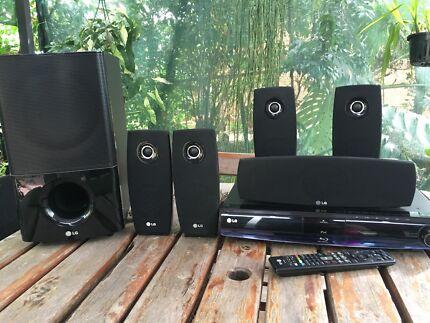 LG Surround Sound Blu-ray player with iPod dock