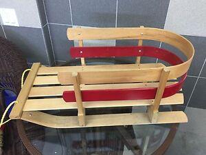 Traîneau pour enfant en bois